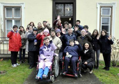 Jaglaci i korisnici COOR-a VTC nakon posjeta orahovaèkom gradskom muzeju