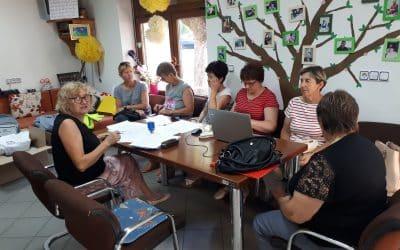"""Potpisani ugovori sa 6 žena u sklopu projekta """"Učim, radim, pomažem"""""""