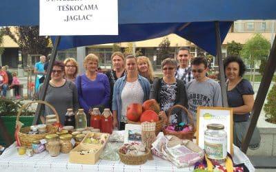 Jaglaci predstavili svoje proizvode na Kestenijadi u Orahovici