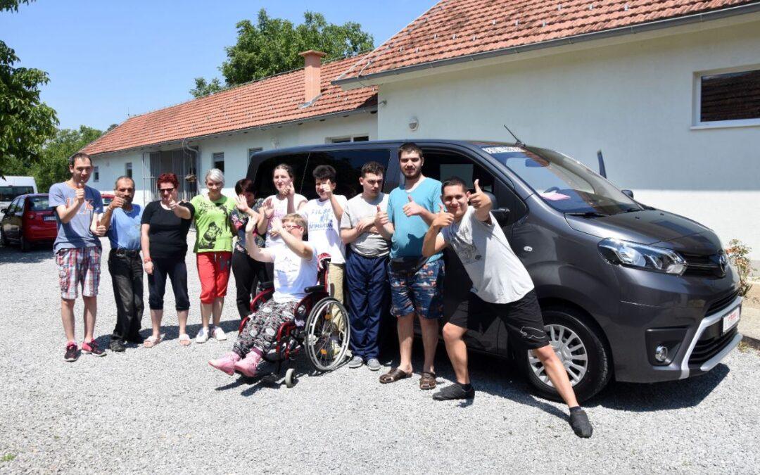 Novo vozilo za prijevoz korisnika u sklopu projekta Nauči me i uspjet ću!